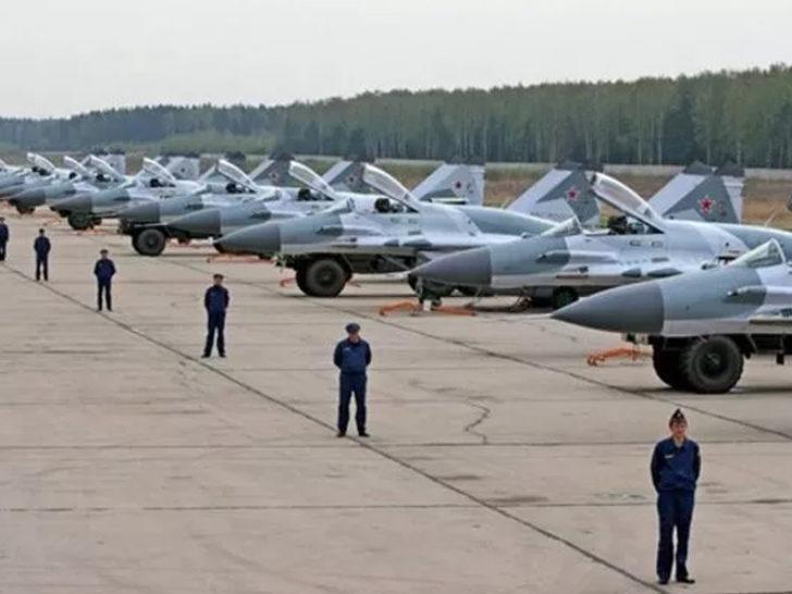 Danimarka basınından flaş iddia: Rusya Kuzey Kutbu`na üs kurdu