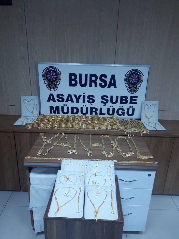 2 milyon liralık altınları kuyumcudan alan şüpheliler polisten kaçamadı