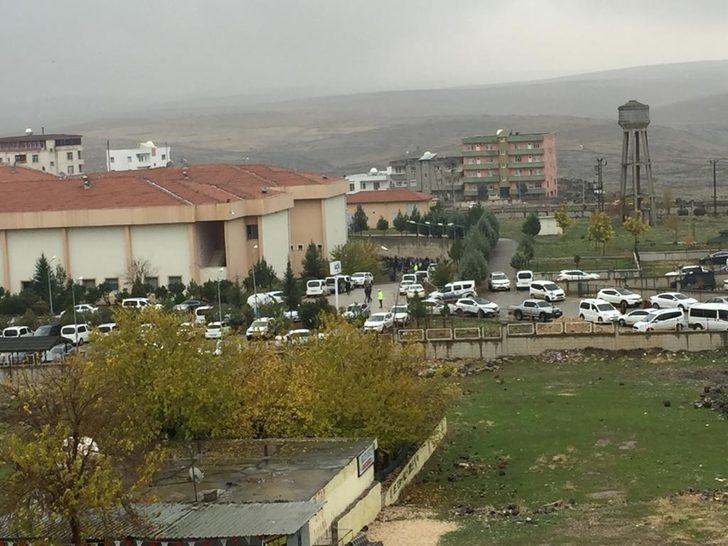 Şırnak'ta EYP imhası sırasında patlama: 2 şehit, 7 yaralı - Yeniden