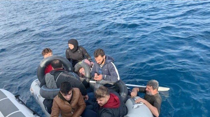 İzmir'de 65 kaçak göçmen yakalandı