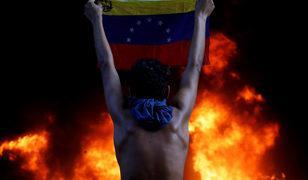 Venezuela'da darbe girişiminde bulunan 16 asker ülkeden kaçtı
