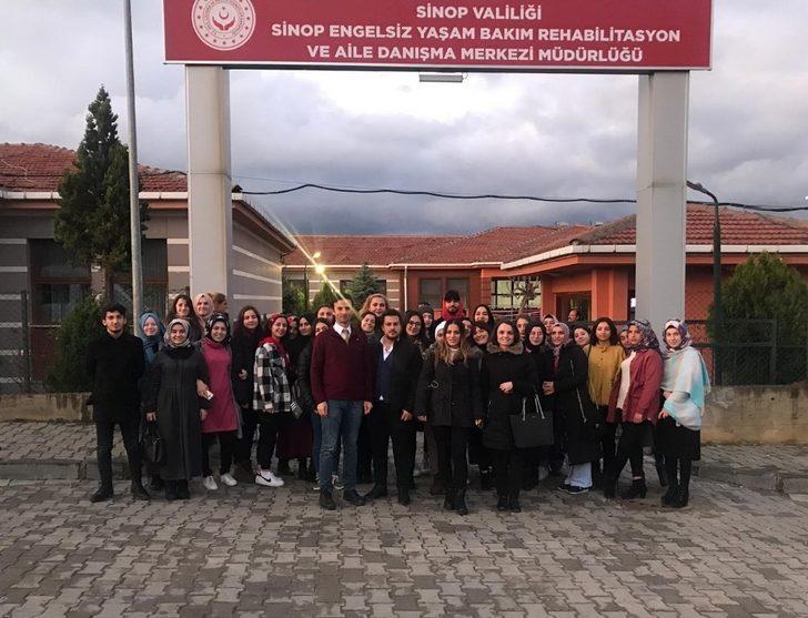 Türkeli MYO öğrencilerinden anlamlı gezi