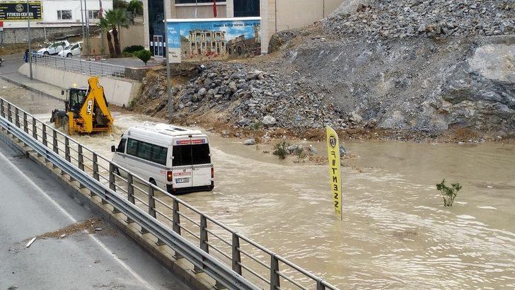 Aydın'ın kıyı kesimlerine kuvvetli yağış uyarısı