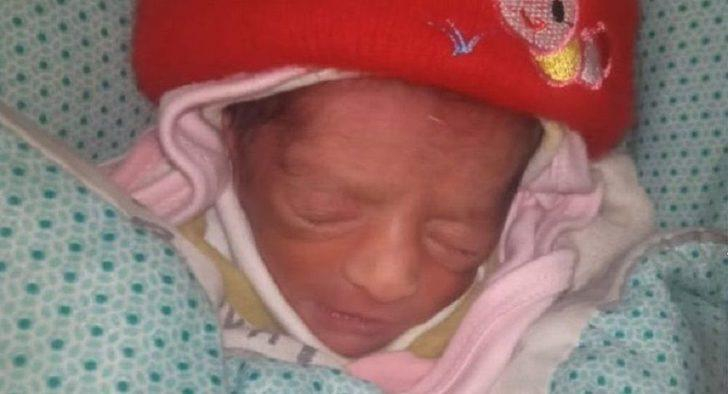 Bir hemşire çocuğu olmayan akrabası için bebek çaldı