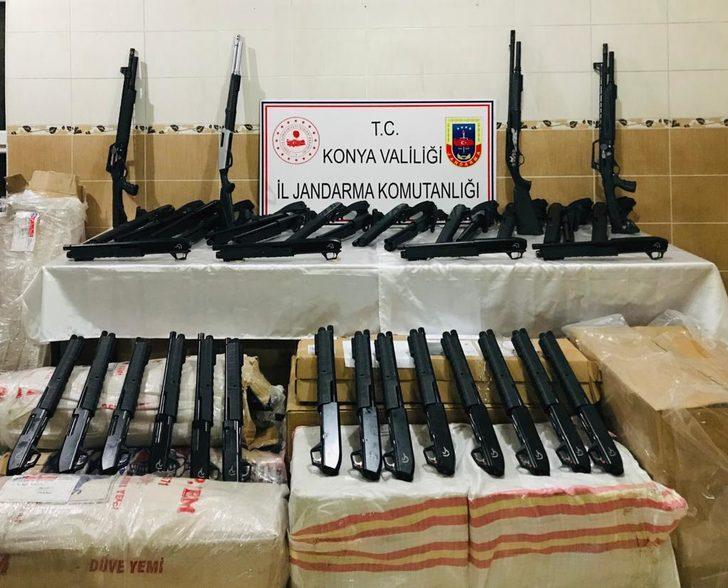 Kargo aracında 173 tüfek ele geçirildi