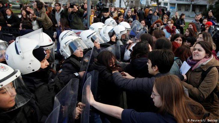 """İstanbul'da """"savaşa hayır"""" eylemleri 10 Mart'a kadar yasak"""