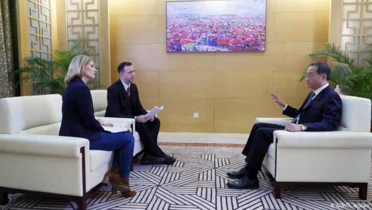 """Çin Büyükelçisi: Uygur kampları """"cezaevi değil, yatılı okul"""""""