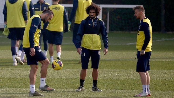 Fenerbahçe'de 3 futbolcu kadroya alınmadı!