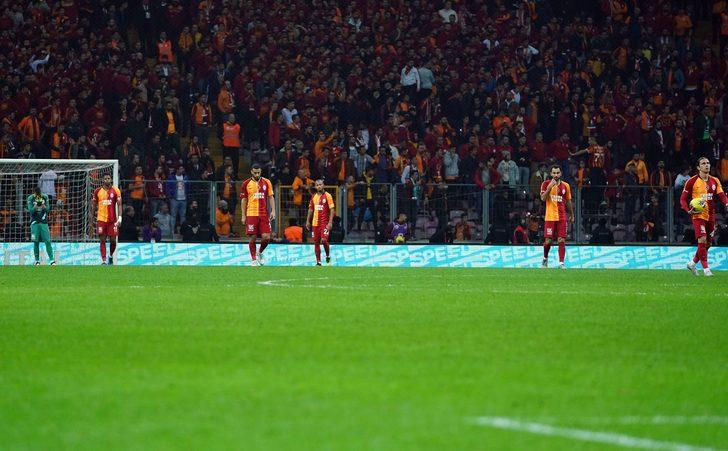 Galatasaray taraftarı Ankaragücü futbolcularını alkışladı!