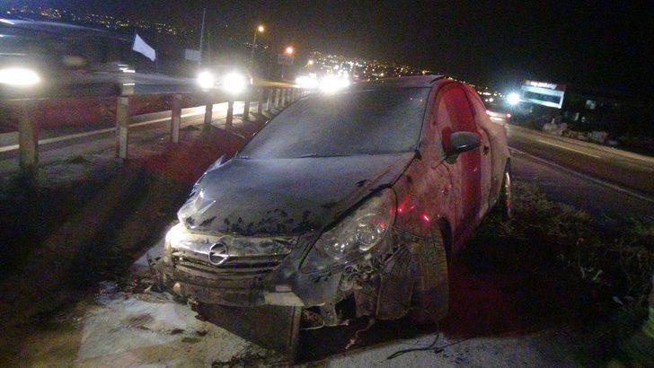 Silivri'de kamyonetin sıkıştırdığı otomobil kaza yaptı: 1 yaralı