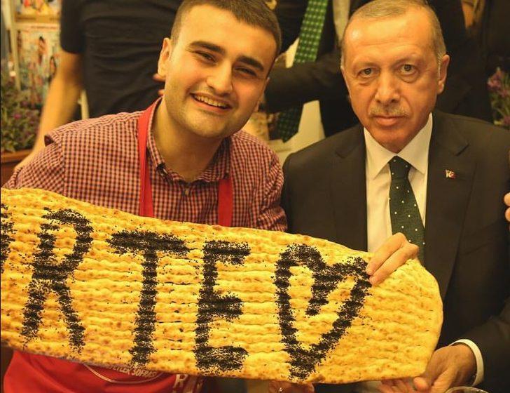 Cumhurbaşkanı Erdoğan CZN Burak'ı ziyaret etti