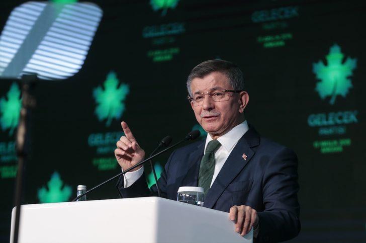Yeni partisini kuran Davutoğlu'na iki tebrik telefonu!