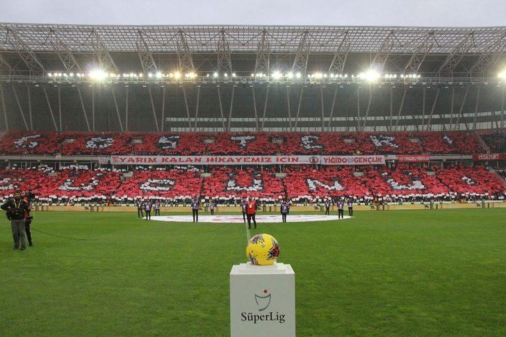 Sivasspor taraftarının koreografisi beğeni topladı