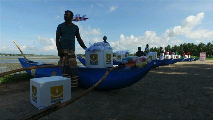Sadakataşı Derneği Sri Lankalı balıkçılara tekne yardımı yaptı