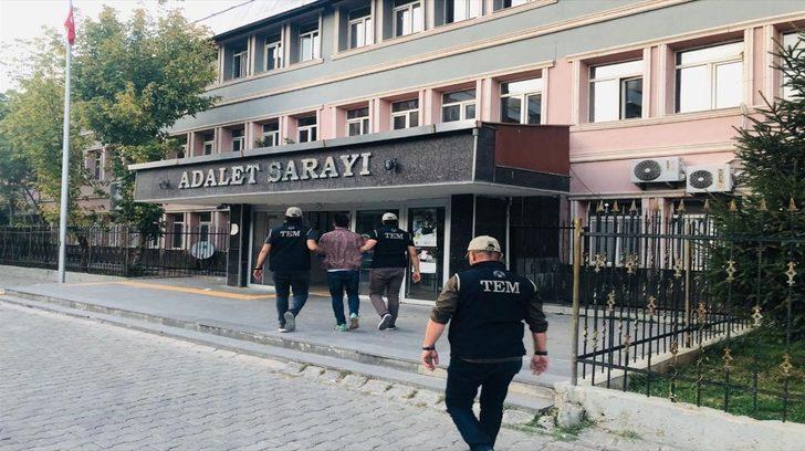 Muş'ta FETÖ'ye yönelik operasyonda gözaltına alınan 9 şüpheliden 3'ü tutuklandı