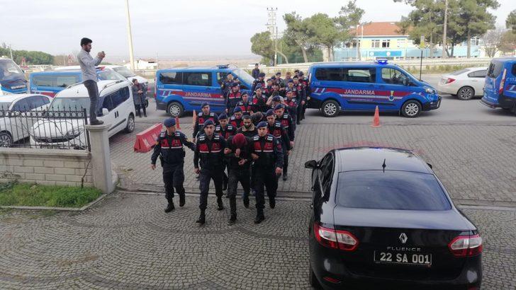 Biga'da uyuşturucu ticaretine 3 tutuklama