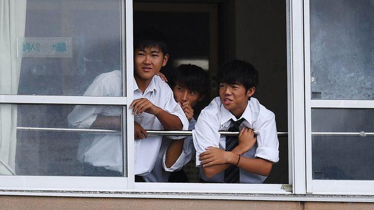 Neden giderek artan sayıda Japon çocuk okulu bırakıyor?