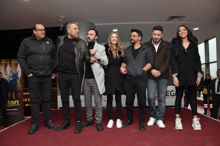 Kırk Yalan Film oyuncuları Vega Outlet'te