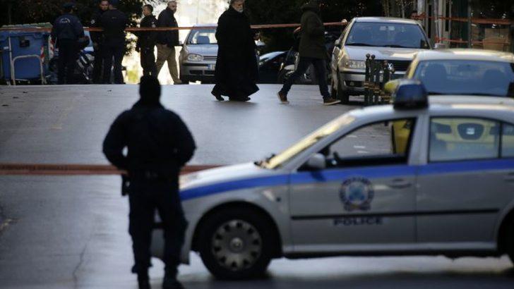 Selanik'te Türk Konsolosluk Görevlisinin Aracı Kundaklandı