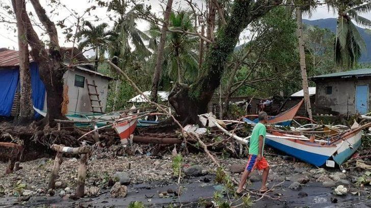 Filipinler'de tayfun: En az 13 kişi öldü, çok sayıda kişi kayıp