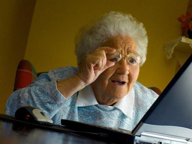 İnternette Yaşlılara da Yer Var!