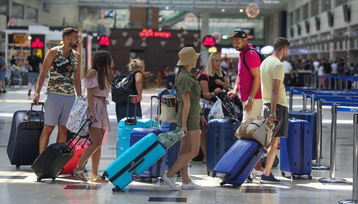 75,7 milyon kişi son 8 ayda hava yolunu kullandı