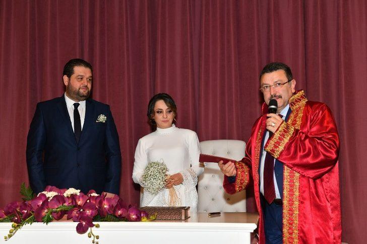 Ortahisar'da bir yılda 2 bin 119 çiftin nikahı kıyıldı