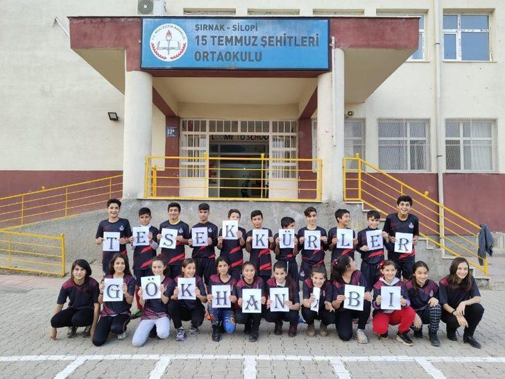 Samsunspor'dan Silopili öğrencilere forma hediyesi