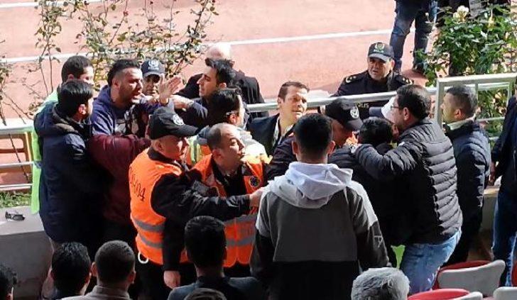 Asbaşkan maç sırasında gazeteciye saldırdı, sonra özür diledi