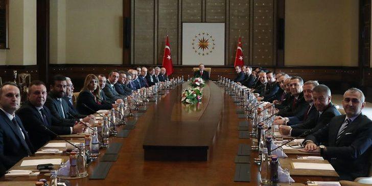 Cumhurbaşkanı Erdoğan, kulüp başkanlarını Külliye'de kabul etti