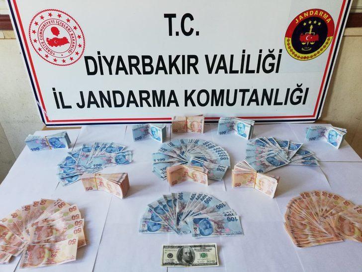 Güvenlik korucusu ve 3 kişi sahte parayla yakalandı
