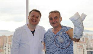 'Kesilir' denilen parmağı Türk doktorlar kurtardı!