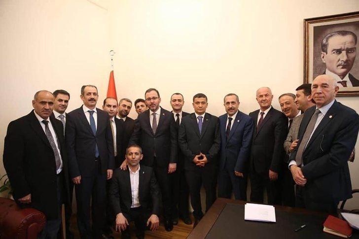 Van heyetinden Gençlik ve Spor Bakanı Kasapoğlu'na ziyaret