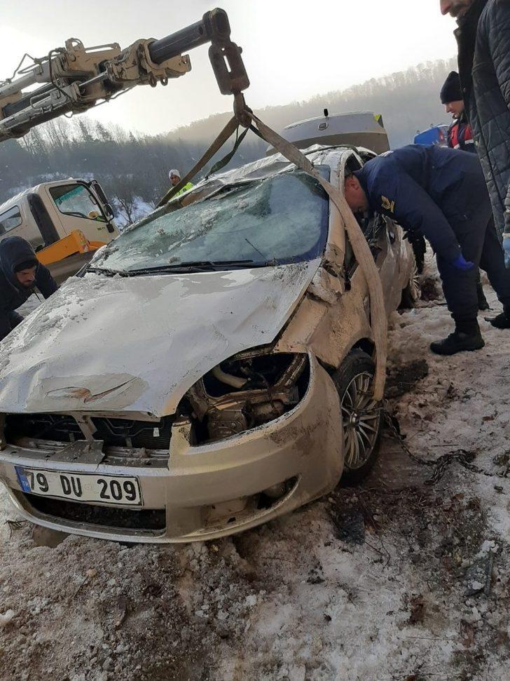 Bozüyük'te otomobil devrildi; 1 ölü, 2 yaralı