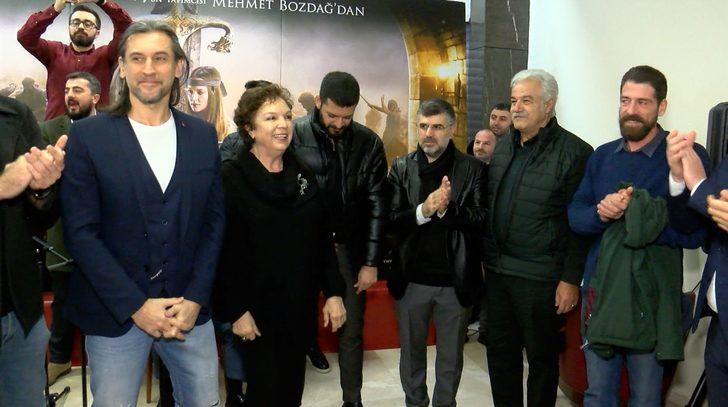 Sultanbeyli Belediye Başkanı Keskin, 'Türkler Geliyor: Adaletin Kılıcı' filmini gençlerle izledi