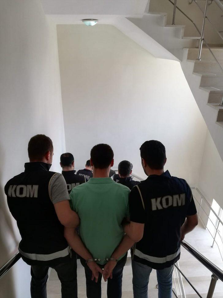 FETÖ'nün askeri yapılanmasına yönelik operasyonda yakalananlardan 2'si tutuklandı