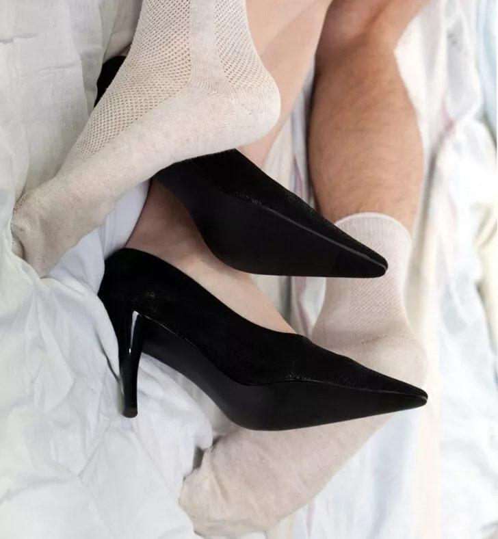 """""""Erkek arkadaşım çoraplarını koklarken benimle birlikte ol!"""""""