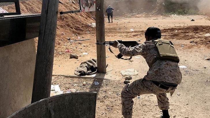 YPG/PKK'lı teröristler Tel Rıfat'tan Afrin'e saldırdı: Yaralılar var