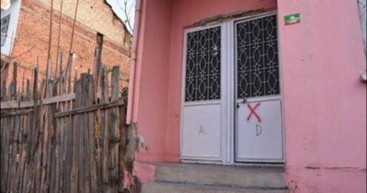 """İstanbul Valiliğinden """"Pendik'te kapısına çarpı işareti konulan evler"""" açıklaması"""