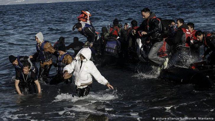 Yunanistan'ın yüzen bariyerlerine tepki