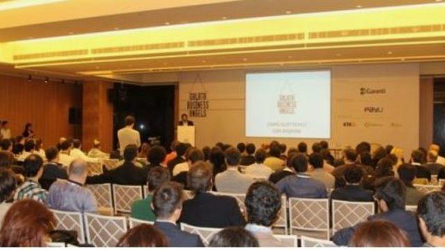 Emre Kurttepeli gave the Opening Speech in Mentor Clinic