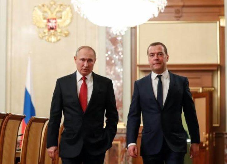 Putin'den Medvedev'e maaş jesti