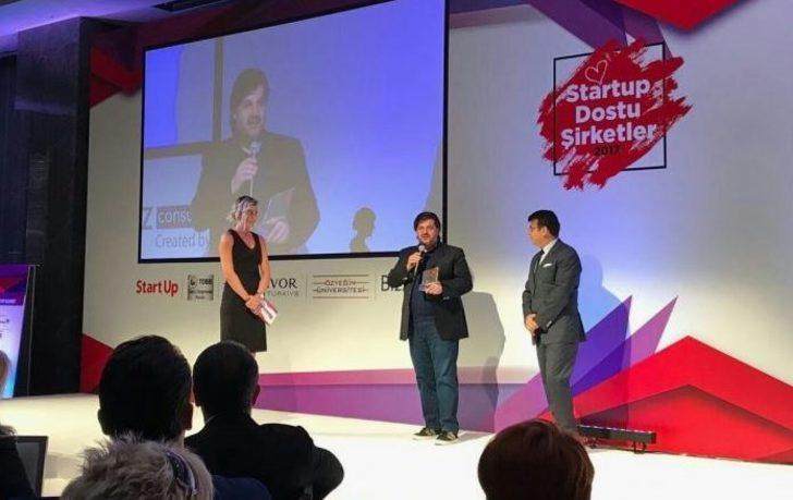 """Emre Kurttepeli, CORPORATE STARTUP SUMMIT 2017 """"10 Business People who give direction to the world of Startup"""" was awarded."""