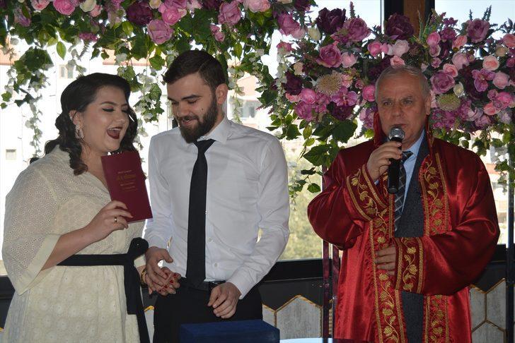 Manisa'da nikah salonlarında '02.02.2020' yoğunluğu