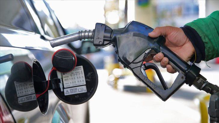 Araç sahipleri dikkat! Benzin fiyatlarına 8 kuruş zam geldi