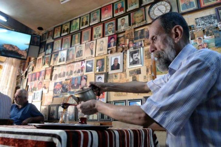 Adana 'kimler geldi, kimler geçti' kahvesi
