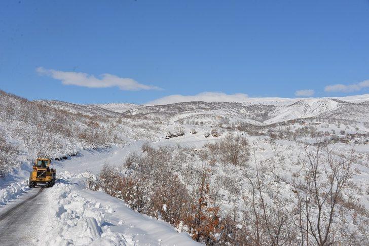 Bingöl'de kar 21 köy yolunu ulaşıma kapattı