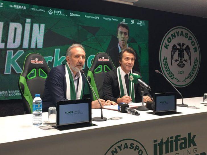 Konyaspor, Bülent Korkmaz ile 1.5 yıllık sözleşme imzaladı