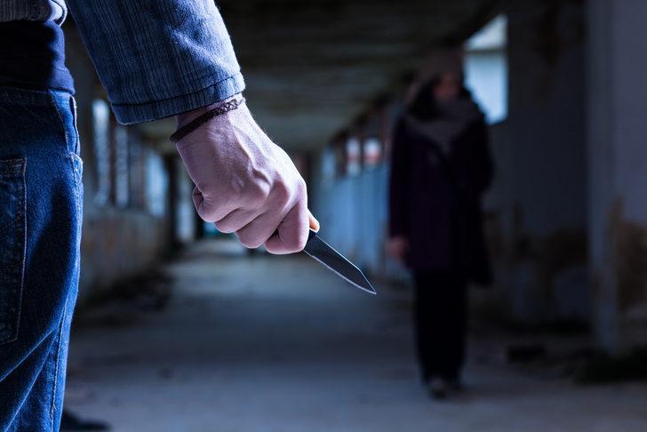 Denizli'de eski sevgili dehşeti! Genç kızı 5 farklı yerinden bıçaklayarak kaçtı
