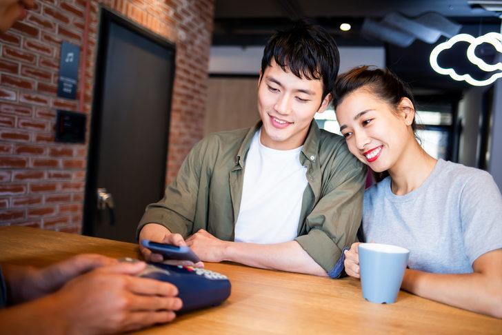 Sevgiliyle şifre paylaşmak ilişki sonrasında ciddi sonuçlara neden olabilir!